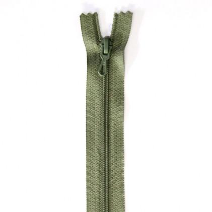 Fermeture Eclair nylon non séparable 50 cm  Col. 748 Vert lichen
